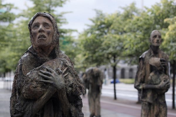 the-potato-famine-memorial-in-dublin-ireland